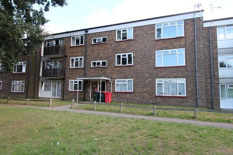 2 bedroom flat to rent - Weald Drive, Crawley, West Sussex. RH10 6PD
