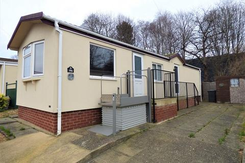 2 bedroom mobile home for sale - Fengate Mobile Home Park, Peterborough, Cambridgeshire. PE1 5XE