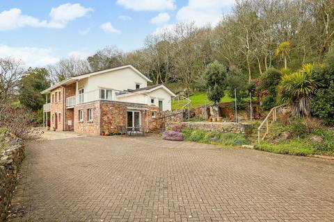 5 bedroom detached house for sale - Unique detached property in Tickenham