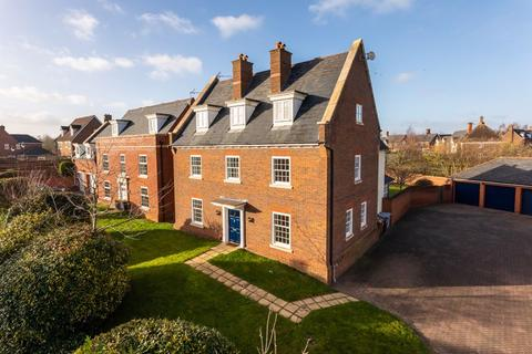 5 bedroom detached house for sale - Abbeydale Close, Wychwood Park, Weston