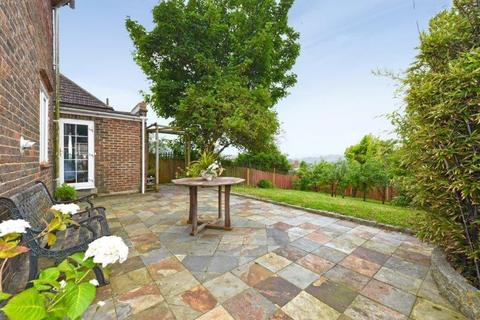 2 bedroom semi-detached house for sale - Auckland Drive, Brighton, East Sussex, BN2 4JD