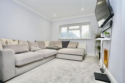 2 bedroom apartment for sale - Downland Drive, Hove, East Sussex, BN3 8GB