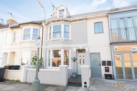 3 bedroom terraced house for sale - Sheridan Terrace, Hove, East Sussex, BN3 5AE