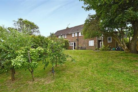 2 bedroom semi-detached house to rent - Auckland Drive, Brighton, BN2 4JD
