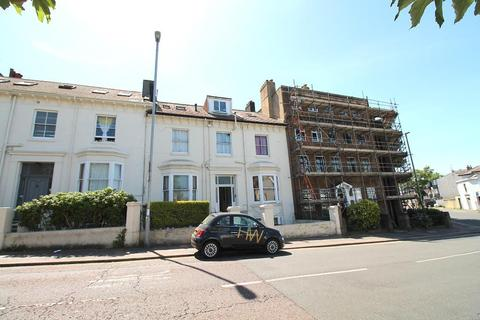 Studio to rent - Buckingham Place, Brighton, East Sussex, BN1 3PJ