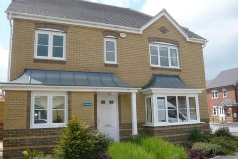 4 bedroom detached house to rent - Highfields