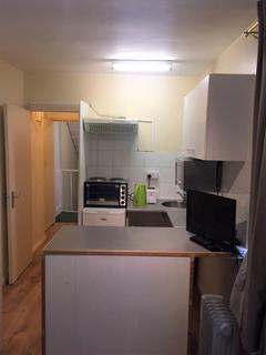 Studio to rent - Paddington, Queens Gardens