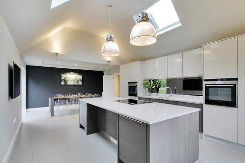 6 bedroom detached house to rent - Plaxtol Nr Sevenoaks