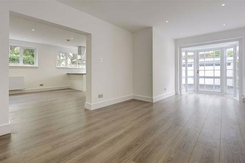 3 bedroom house - St Edmunds Close, St John's Wood, London, NW8