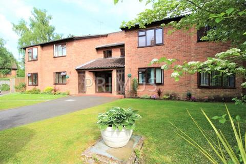 Studio to rent - Maywell Drive, Solihull