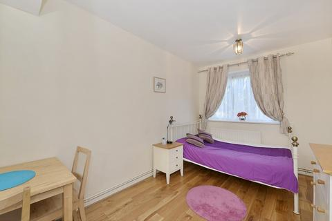 Flat share to rent - St Anns Road, Holland Park, W11