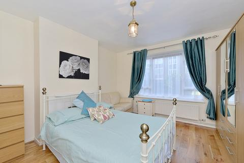 Studio to rent - St Anns Road, Holland Park, W11