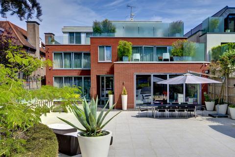 7 bedroom detached house for sale - Courtenay Avenue, London, N6