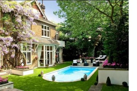 8 bedroom detached house to rent - Frognal, Hampstead, London, NW3