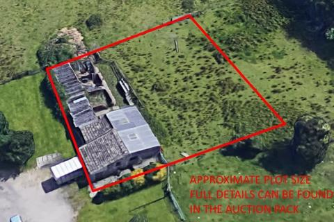 Land for sale - Land and Stables with Planning