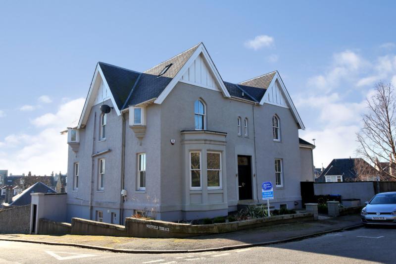 Westfield Terrace 25 (19) 1246