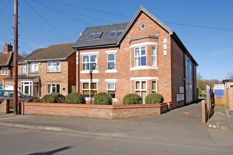 2 bedroom apartment to rent - Crescent Road, Oxford, OX4