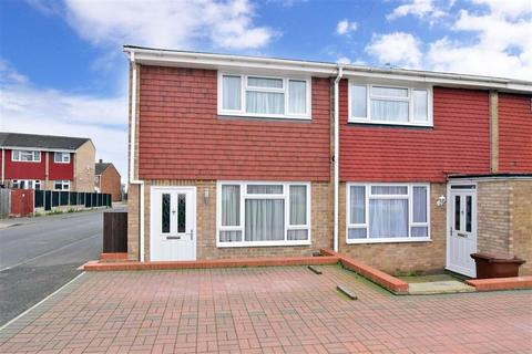 2 bedroom end of terrace house for sale - The Spires, Strood, Rochester, Kent