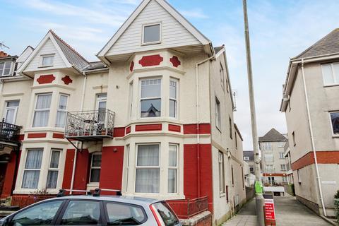 2 bedroom flat for sale - ESPLANADE AVENUE, PORTHCAWL, CF36 3YS