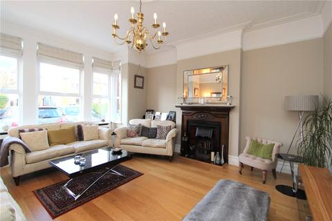 5 bedroom semi-detached house to rent - Colebrooke Avenue, Ealing, London, W13