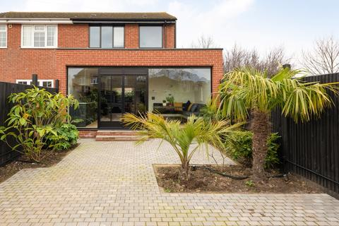 2 bedroom semi-detached house for sale - Salts Close, Whitstable, CT5