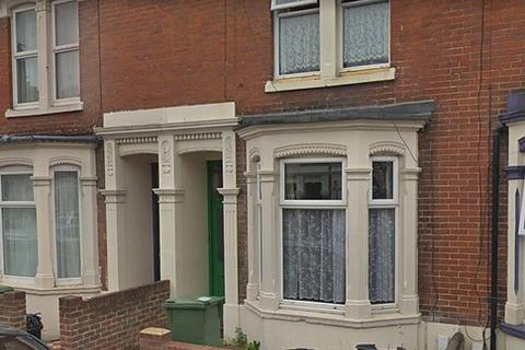 4 bedroom house to rent - Chetwynd Road, Southsea, PO4