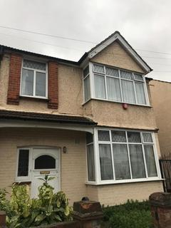 5 bedroom semi-detached house to rent - Southall, UB1