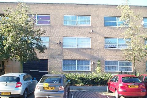Studio to rent - North Tenth Street, Milton Keynes