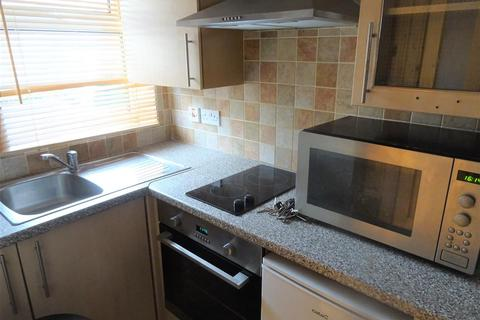 Studio to rent - Cottrell Road, Cardiff