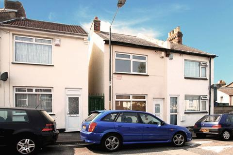 2 bedroom end of terrace house for sale - Redvers Road, Chatham