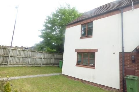 3 bedroom terraced house to rent - Berkeley Close, Hucclecote