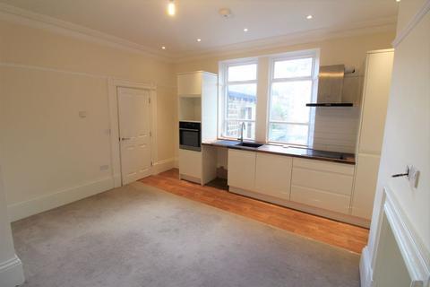 3 bedroom flat to rent - Trinity Street, Huddersfield, Greenhead Park, HD1
