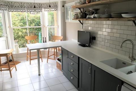 2 bedroom maisonette to rent - Hova Villas, Hove