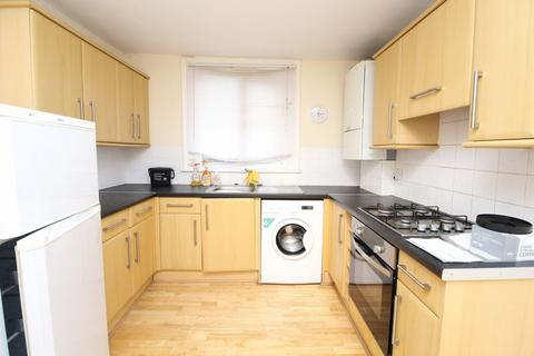2 bedroom apartment to rent - Raleigh Road, Hornsey, N8