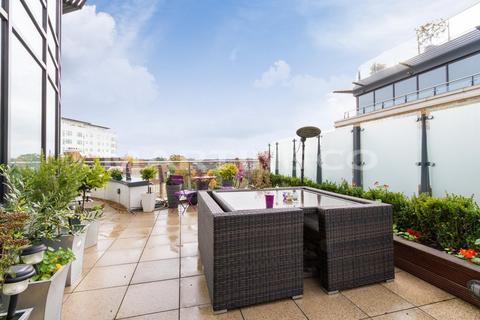 3 bedroom penthouse for sale - PENTHOUSE - Kew Bridge Development