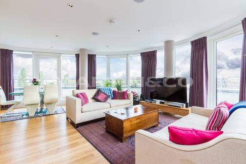 3 bedroom penthouse for sale - **PENTHOUSE** Kew Bridge Development
