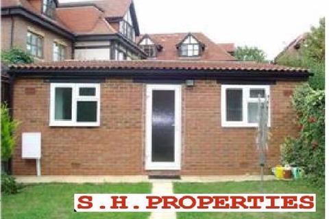 Studio to rent - ALDERS ROAD, EDGWARE, HA8 9QG