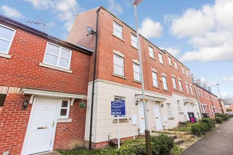 3 bedroom townhouse for sale - Timble Road, Leicester, LE5