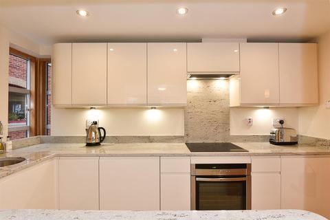 2 bedroom apartment to rent - Emperors Wharf, Skeldergate, York