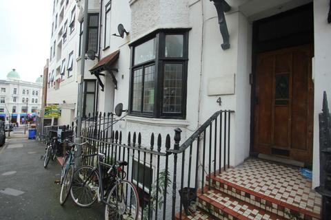 2 bedroom apartment to rent - Queens Square, Brighton