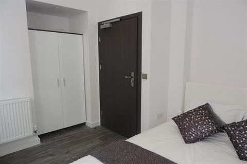 1 bedroom house share to rent - Rm 2, Flat 3, Priestgate Peterborough PE1 1JL