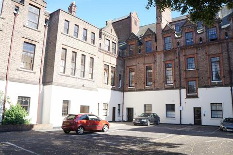 1 bedroom flat to rent - Brandon Court, Lawrence Road, Southsea