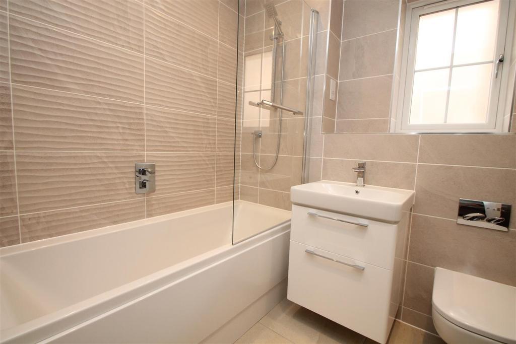Plot 2 Bathroom.jpg