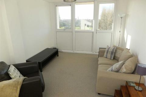 2 bedroom flat to rent - White Friar Court, Blackfriars Road, Salford