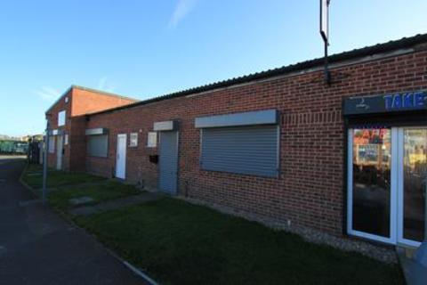 Industrial unit to rent - Unit 8 Aurillac Way , Hallcroft Industrial Estate , Retford, Nottinghamshire , DN22 7PX