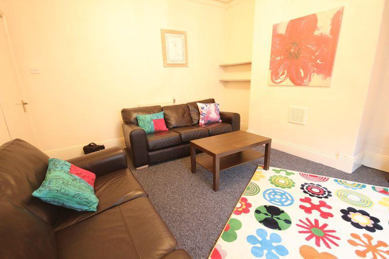 4 Bedrooms Terraced House for rent in Granby Road, Headingley