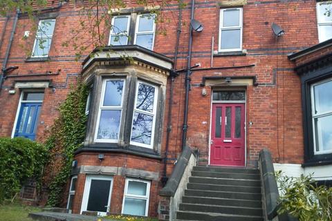 3 bedroom flat to rent - Regent Park Terrace, Hyde Park, Leeds