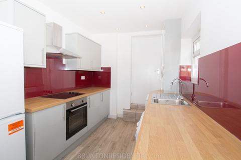 4 bedroom maisonette to rent - £65pppw - Trewhitt Road, Heaton NE6