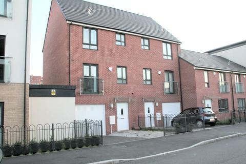 3 bedroom semi-detached house for sale - Moss Street, New Broughton, Salford, M7