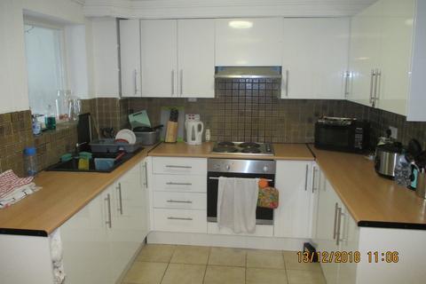6 bedroom terraced house to rent - Belmont Street, Southsea
